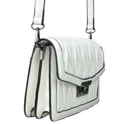 Bolsa Feminina em Napa Texturizada com Fecho de Metal Branco