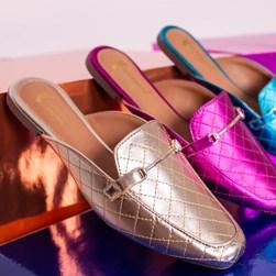 Mule Sapatilha Fashion Kelly em Matelassê Metalizado Ouro Light