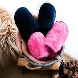 Pantufa Comfy de Pelinho Super Macia Unissex Rosa