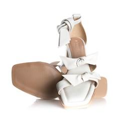 Sandália Clarisse com Laço e Salto Quadrado Off White
