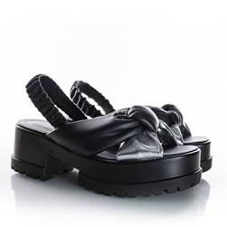 Sandalia Tratorada Comfy Cibele com Elástico Preto/Prata