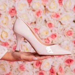 Sapato Scarpin Damaris Liso Salto Taça Branco
