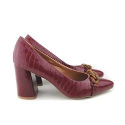 Sapato Scarpin Feminino Croco com Corrente Marsala