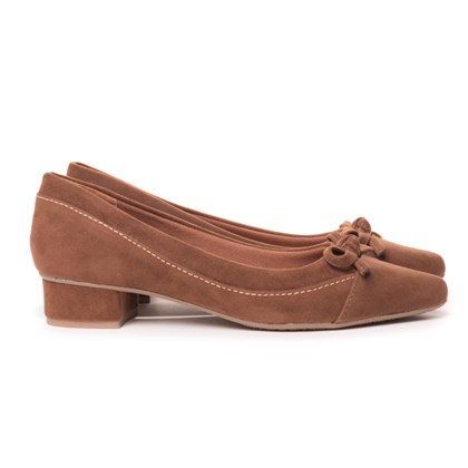 Sapato Social Com Saltinho Bico Fino Confort Com Lacinho  Caramelo